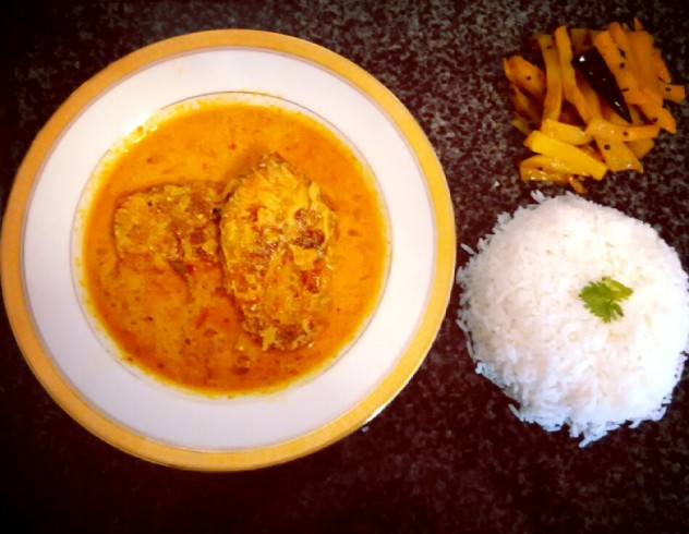 Fish curry in spiced mustard gravy