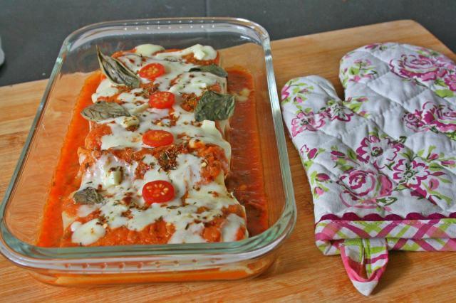 Baked Prawn Lasagna Roll Up
