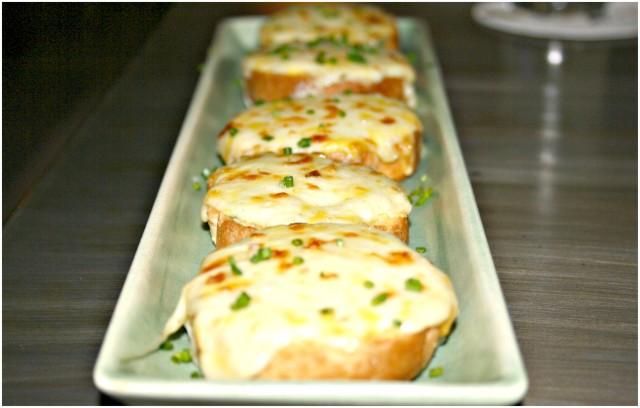 4 Cheese Garlic Bread