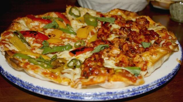 indigo-wafer-thin-pizzas-bellydriven